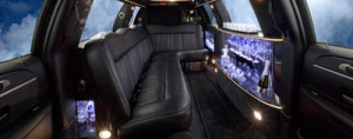 Dallas Limousine Lincoln Town Car Stretch 2011 Car Service Description